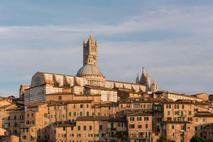 photography locations in Tuscany - Duomo di Siena West View