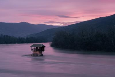 Serbia photography spots - House on Drina River