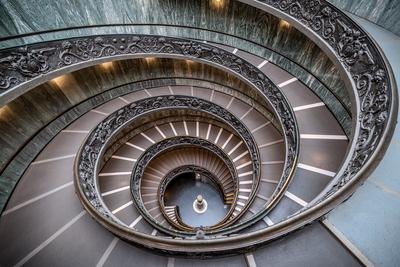 Rome photography locations - Bramante Staircase