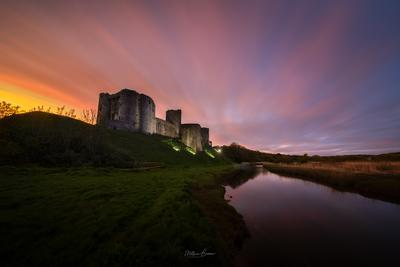 photos of South Wales - Kidwelly Castle - Riverside View
