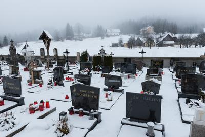 pictures of Lakes Bled & Bohinj - Cemetery at Koprivnik