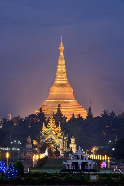 Yangon Region photo locations - Shwedagon Pagoda from Pyay Road