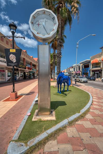 photography locations in Aruba - Blue Horse Sculpture -