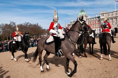 images of London - Changing The Queen's Life Guard - Horse Guards Parade