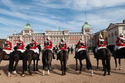 photos of London - Changing The Queen's Life Guard - Horse Guards Parade