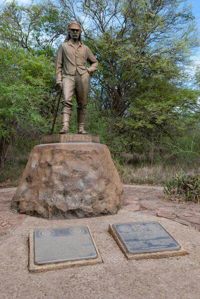 photo locations in Zimbabwe - Statue of Dr Livingstone
