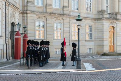 pictures of Denmark - Amalienborg - Change of Guards