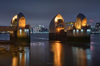 pictures of London - Thames Barrier