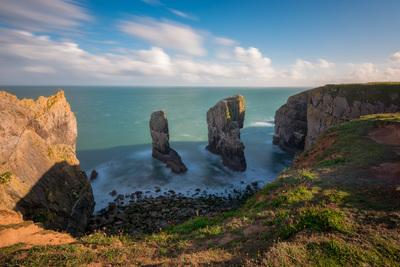 photos of South Wales - Elegug Stacks (Stack Rocks)