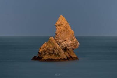images of South Wales - Broadhaven Beach & Church Rock