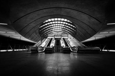 photos of London - Canary Wharf Underground Station