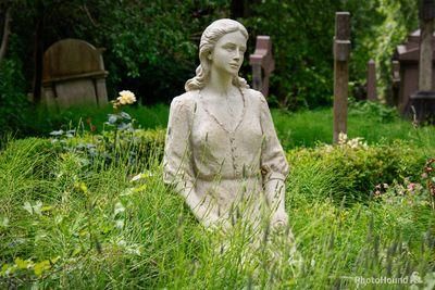 images of London - Highgate Cemetery