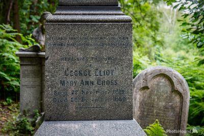 pictures of London - Highgate Cemetery