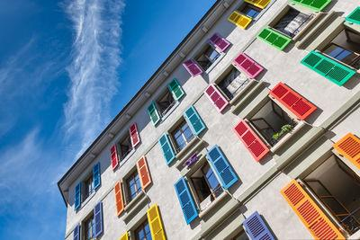 pictures of Geneva - Coloured Shutters