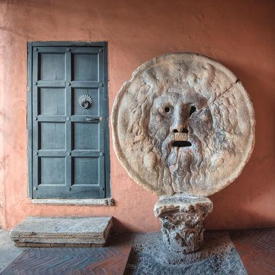 photo locations in Rome - Bocca della Verita (The Mouth Of Truth)