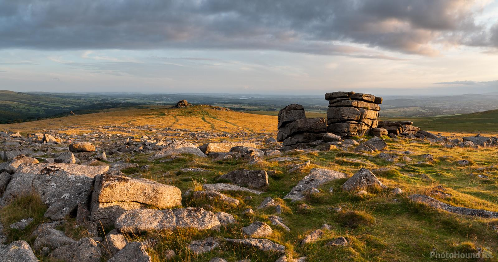 One of the smaller stacks on a summer sunset looking south to Vixen Tor.