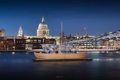 images of London - View of St Paul's Cathedral from Millennium Bridge