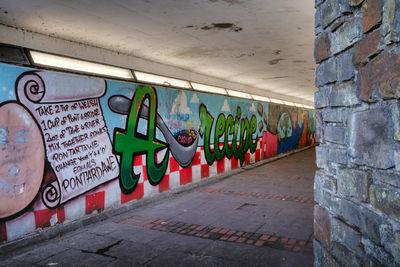 pictures of South Wales - Pontardawe Mural
