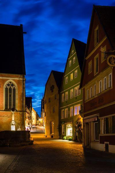 Bayern photography spots - Untere Schmiedgasse with the Johanissbrunnen (Johannes Fountain)