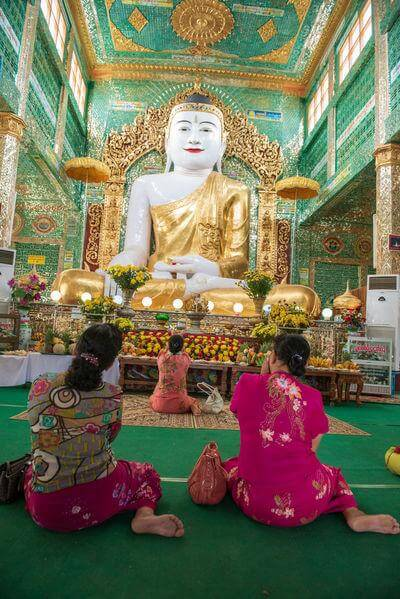 photo spots in Myanmar (Burma) - Soon U Ponya Shin Paya