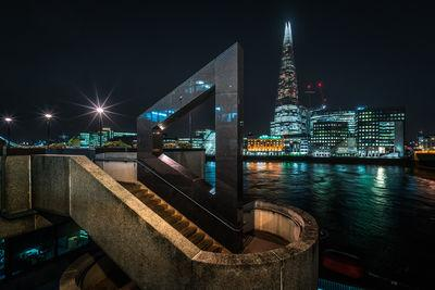images of London - London Bridge- viewing platform