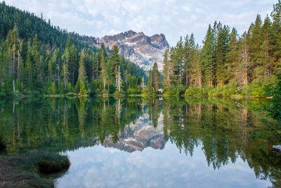 California photography spots - Sardine Lake and the Sierra Buttes