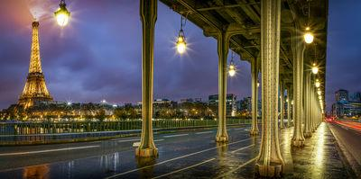 photography spots in Ile De France - Eiffel Tower view from Pont Bir Hakeim