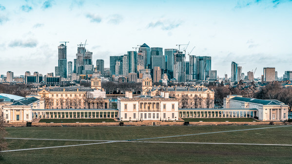 A slightly off-centre image, to position the modern buildings around Canary Wharf directly behind the old architecture of Greenwich