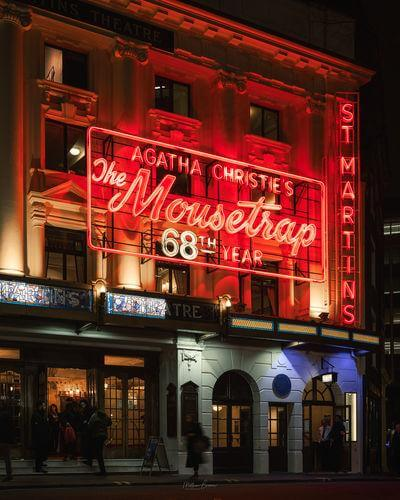 images of London - St. Martin's Theatre - Exterior
