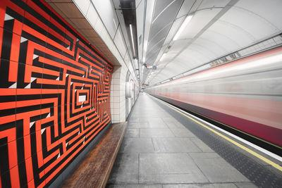 pictures of London - Warren Street Station