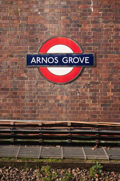 pictures of London - Arnos Grove Station