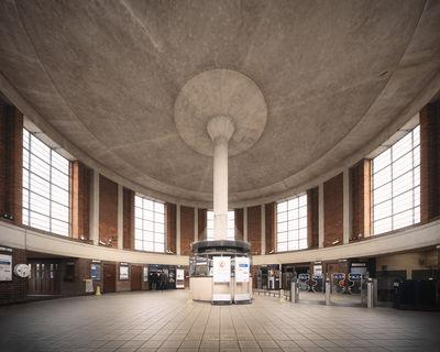photos of London - Arnos Grove Station