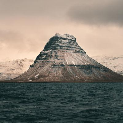 images of Iceland - Kirkjufell