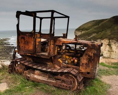 photo locations in England - Rusting bulldozer above North Landing beach