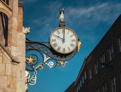 Coney Street clock