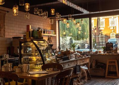 England photo locations - Brew & Brownie cafe - interior