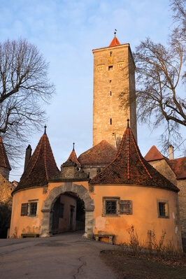 Bayern instagram locations - Castle tower and gate, Rothenburg ob der Tauber