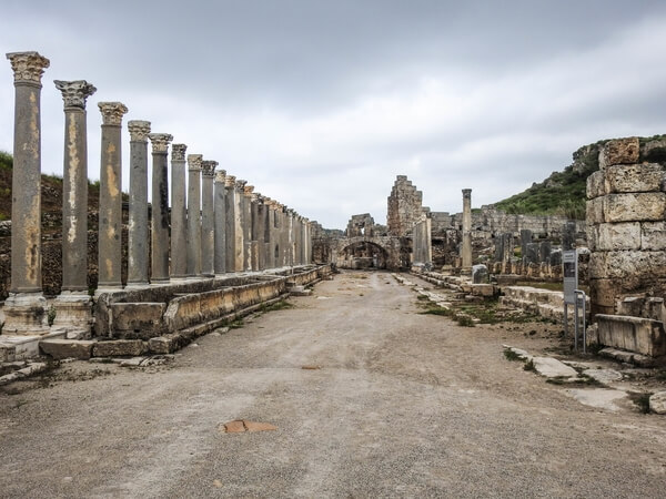 Perge colonnaded street