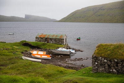 pictures of Faroe Islands - Fishearmans turf houses