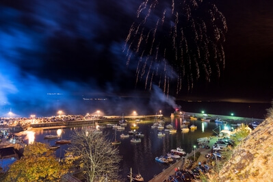 images of South Wales - Saundersfoot Fireworks