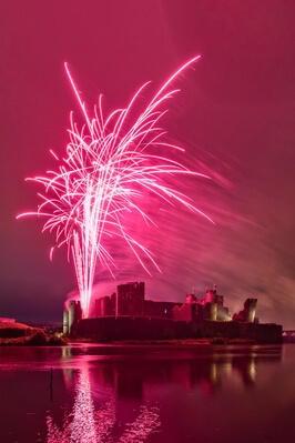 pictures of South Wales - Fireworks at Caerphilly Castle