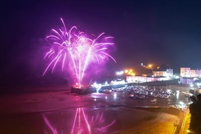 images of South Wales - Fireworks at Tenby Harbour