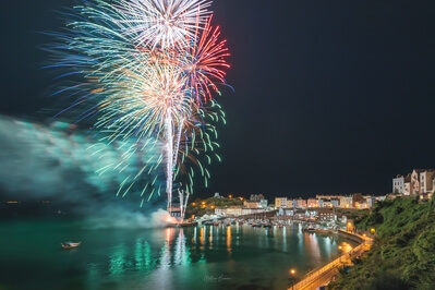 pictures of South Wales - Fireworks at Tenby Harbour