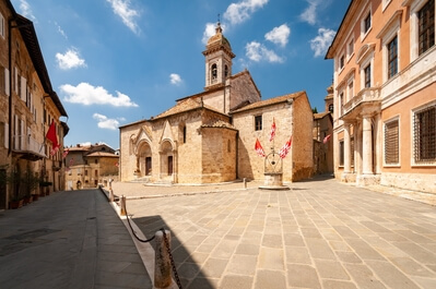 Tuscany photography locations - San Quirico d'Orcia collegiate church