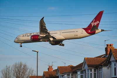 pictures of London - Myrtle Avenue Planespotting