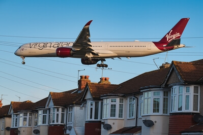 images of London - Myrtle Avenue Planespotting