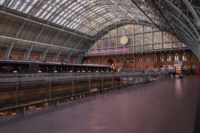 images of London - St Pancras International - Neon Sign