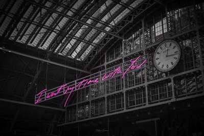 photos of London - St Pancras International - Neon Sign