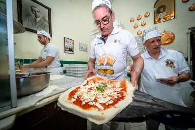 photography locations in Italy - Antica Pizzeria da Michele Food Photography