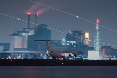 photos of London - London City Airport - Runway View